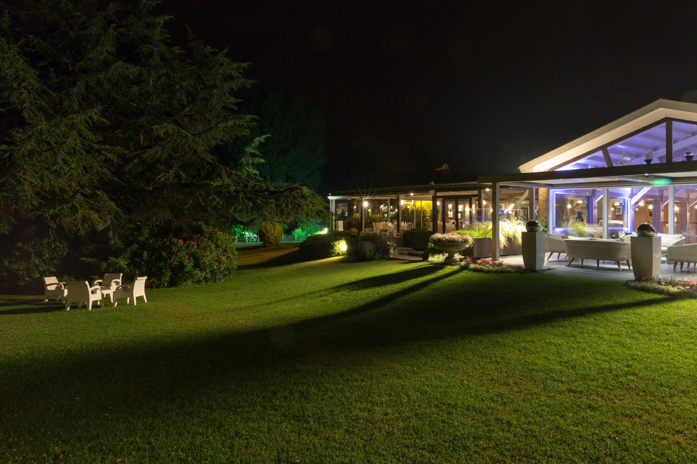 Exterieur illuminé du Domaine de la Chanterelle pour vos évenements d'entreprise